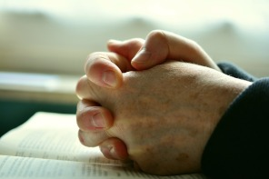 pray-2558490_960_720